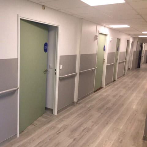 Couloir rénové de la Clinique du Plateau